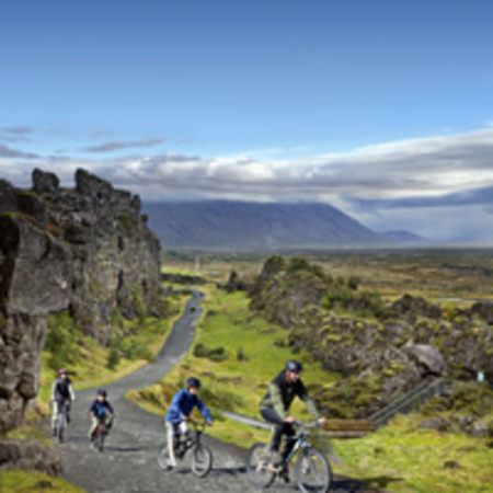 þingvellir people biking 200x200